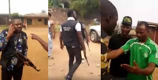 Angry Residents Resist Policemen From Carrying Out Arrest In Benin (Video)