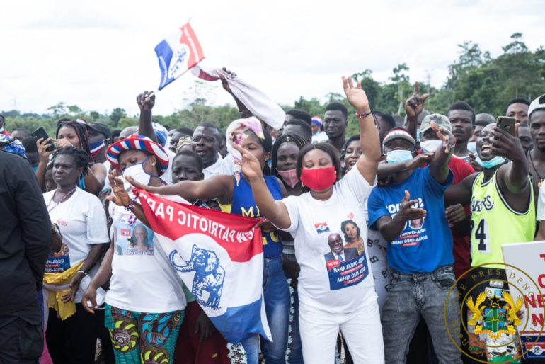 Akufo-Addo Tours Eastern Region – See all Photos Of The Huge Crowd